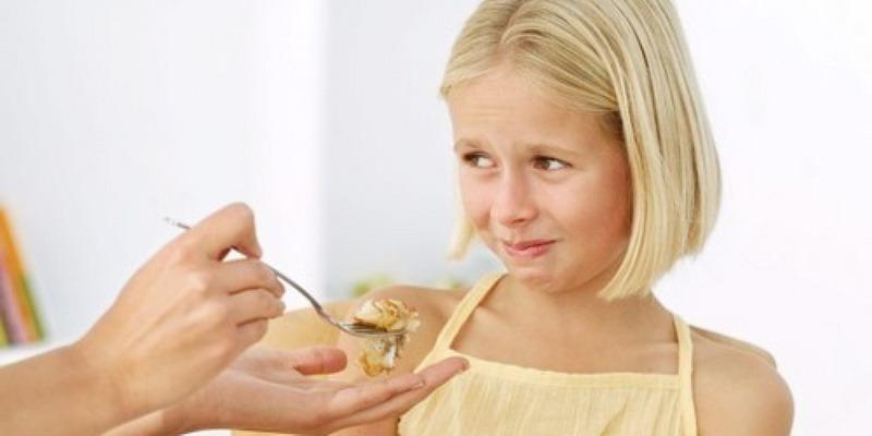 https: img.okeinfo.net content 2017 05 25 196 1699429 anak-susah-makan-setelah-15-menit-jangan-paksa-ya-moms-qJG0cjVfuY.jpg