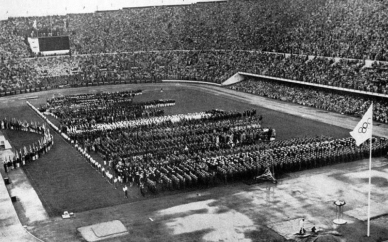 https: img.okeinfo.net content 2017 05 26 337 1700419 top-files-pertama-kali-ikut-olimpiade-indonesia-hanya-kirim-tiga-atlet-siapa-saja-mereka-XWZ2MuBsFt.jpg