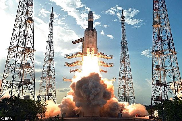 https: img.okeinfo.net content 2017 06 06 56 1709336 india-luncurkan-roket-fat-boy-paling-kuat-di-dunia-z49vjTFjMl.jpg