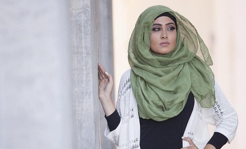 https: img.okeinfo.net content 2017 06 09 194 1711800 menunjang-penampilan-ini-5-barang-penting-yang-harus-dimiliki-hijabers-DAveEk5utr.jpg