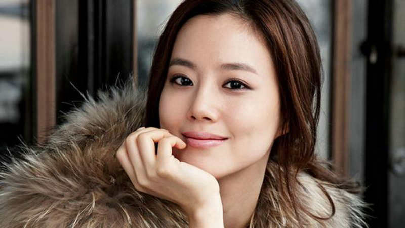 https: img.okeinfo.net content 2017 06 14 33 1716367 wajah-cantik-mantan-pacar-song-joong-ki-beredar-Fao2qF4iXT.jpg