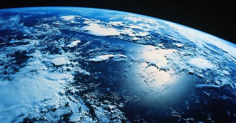 https: img.okeinfo.net content 2017 06 15 56 1717143 alquran-dan-sains-jelaskan-adanya-gravitasi-di-bumi-KNBfish8qB.jpg