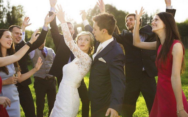 https: img.okeinfo.net content 2017 06 16 196 1717708 perlu-tidak-ya-undang-mantan-pacar-ke-pesta-pernikahan-yuk-jawab-dulu-pertanyaan-ini-m3PuY5eN3C.jpg
