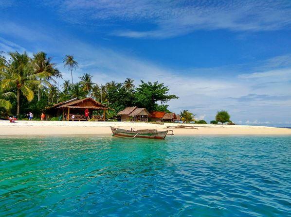 Hasil gambar untuk pulau banyak aceh