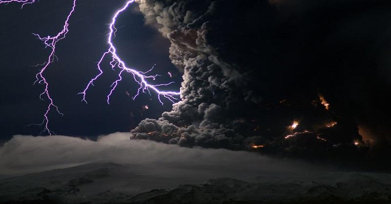 https: img.okeinfo.net content 2017 06 16 56 1717776 ini-proses-terjadinya-petir-saat-erupsi-gunung-berapi-UlguYpwCVq.jpg