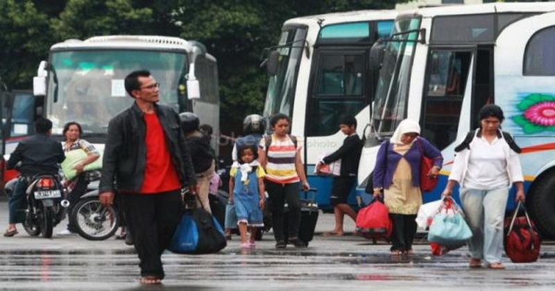https: img.okeinfo.net content 2017 06 20 340 1720629 mudik-lebaran-tiket-bus-akap-di-pekanbaru-ludes-terjual-o2gnUWUQ6E.jpg