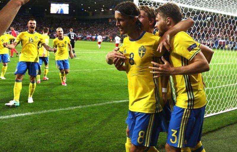 https: img.okeinfo.net content 2017 06 20 51 1721080 swedia-ditahan-imbang-polandia-olsson-kami-bermain-kurang-lepas-V6D81gBa6f.jpg