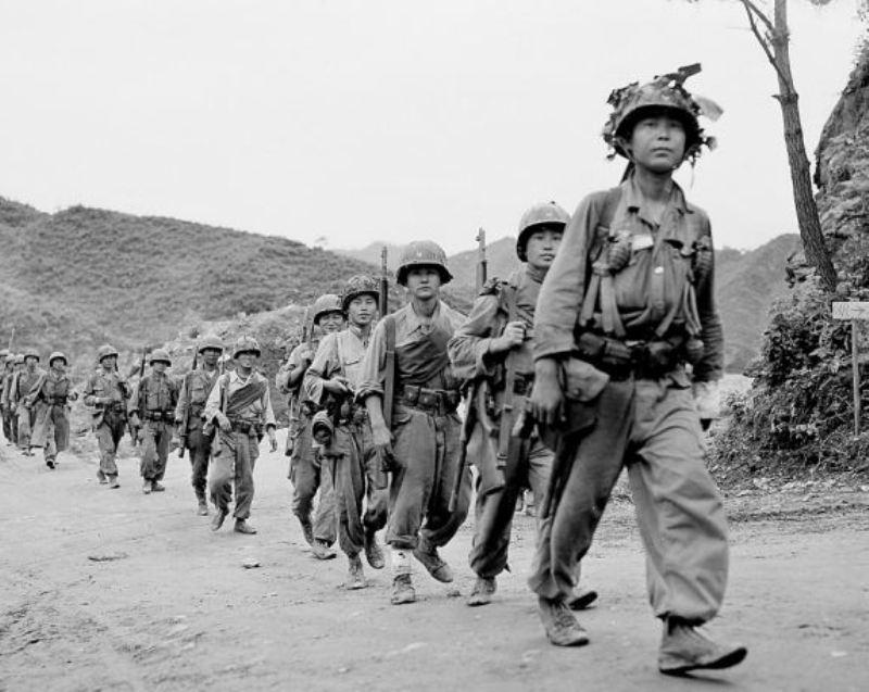 https: img.okeinfo.net content 2017 06 22 18 1722689 historipedia-perang-korea-pecah-taLDgG6S9c.jpg