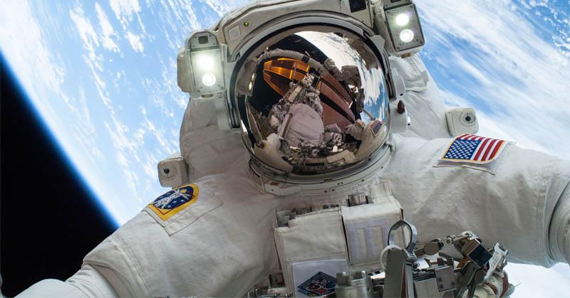 https: img.okeinfo.net content 2017 06 23 56 1723675 tertarik-menjadi-astronot-nasa-ini-syaratnya-pAkMtEVUOh.jpg