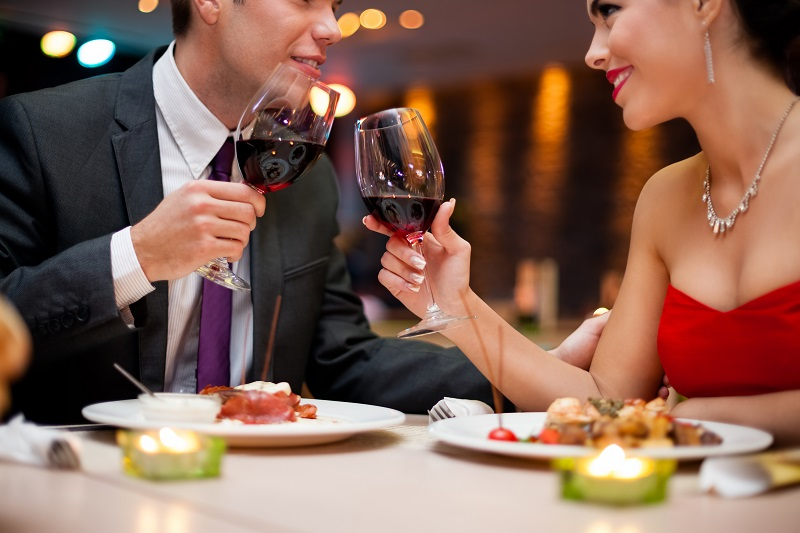 https: img.okeinfo.net content 2017 07 14 298 1736243 malam-minggu-mau-kencan-sama-gebetan-jangan-pilih-pasta-untuk-dinner-ya-s9EXt210mB.jpg