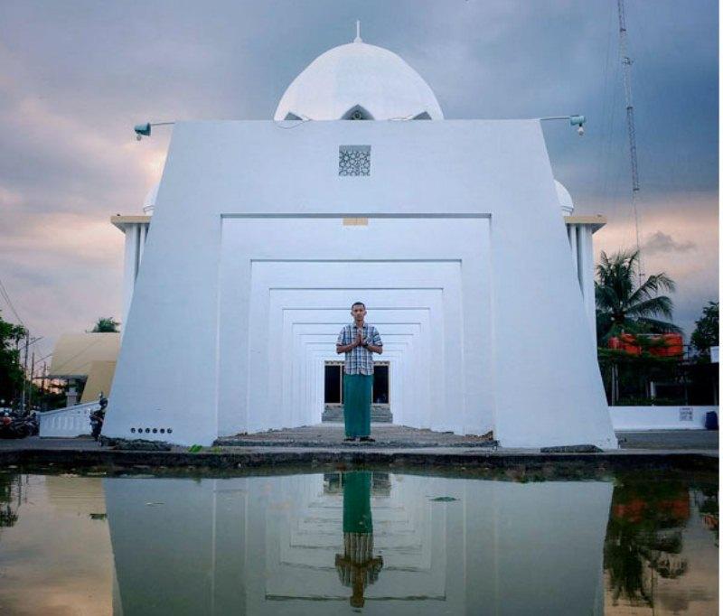 https img.okeinfo.net content 2017 07 15 406 1737019 share loc tengok arsitektur unik masjid jenderal soedirman di purwokerto 2DHSdPvDLo.jpg