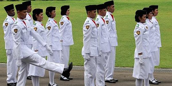 https: img.okeinfo.net content 2017 07 26 65 1744226 selamat-siswa-asal-halmahera-utara-terpilih-jadi-paskibraka-di-istana-negara-WtoVWxxuur.jpg
