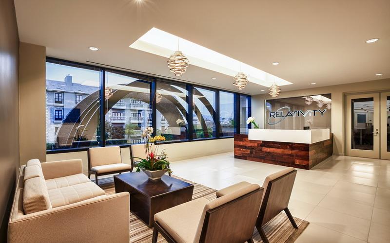terungkap warna hijau kuning dan biru pada desain ruang kantor bisa bikin karyawan nyaman dan produktif kerja gYbTlkcTfv - Cara Memilih Warna Interior Kantor, Bikin Betah Berlama-Lama