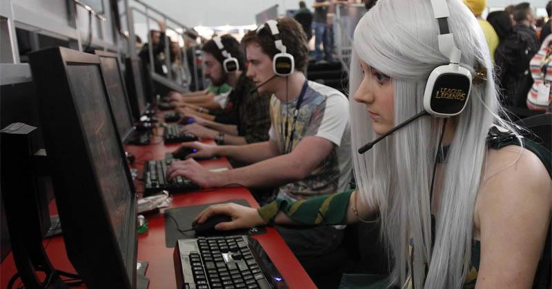 https: img.okeinfo.net content 2017 08 11 326 1754372 waduh-isu-gender-merebak-perusahaan-game-ini-malah-ingin-tambah-karyawan-perempuan-tEtv82Fju2.jpg