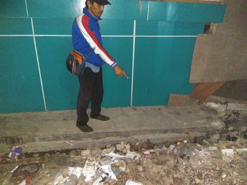 https: img.okeinfo.net content 2017 08 12 338 1754889 astaga-luput-dari-pengawasan-seorang-balita-jatuh-dari-lantai-3-sekolah-di-tangsel-KjC4CeyTrl.jpg