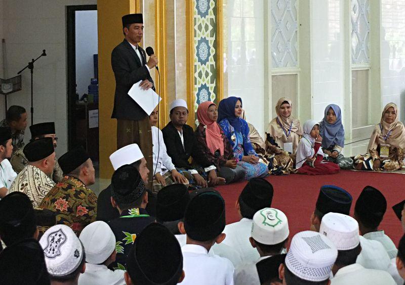 https: img.okeinfo.net content 2017 08 13 519 1754938 wah-nama-ibunda-jokowi-diabadikan-untuk-asrama-putri-pondok-pesantren-nurul-islam-MhlK903B7g.jpg