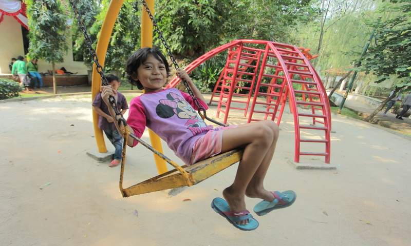 https: img.okeinfo.net content 2017 08 14 196 1755685 mengapa-anak-usia-4-6-tahun-lebih-suka-main-dengan-temannya-IN3naUm2Vj.jpg