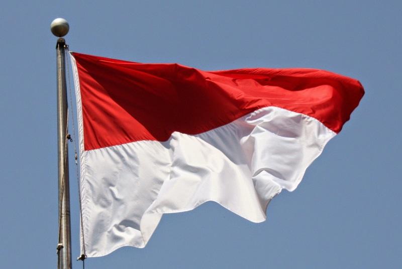 https: img.okeinfo.net content 2017 08 20 194 1759384 insiden-merah-putih-terbalik-padahal-bendera-indonesia-sangat-sederhana-gfY5MxBBMp.jpg