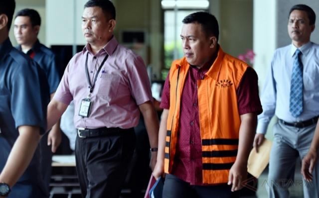 https: img.okeinfo.net content 2017 08 21 337 1760189 korupsi-alkes-udayana-mantan-anak-buah-nazaruddin-dituntut-4-tahun-penjara-nhv3eos04w.jpg