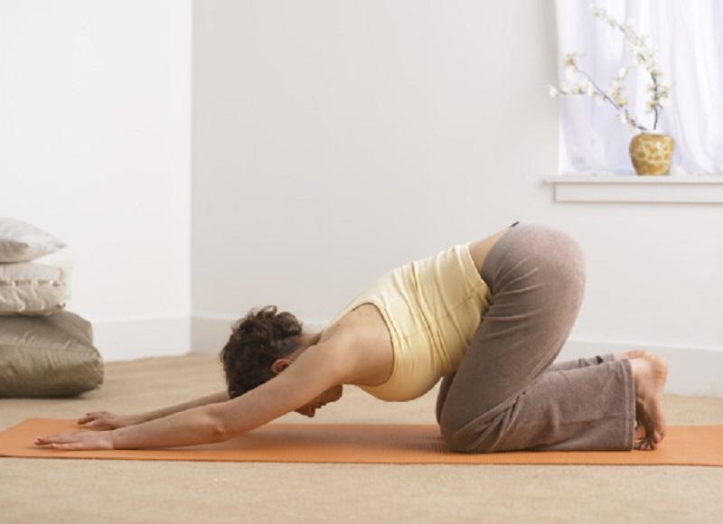 https: img.okeinfo.net content 2017 08 21 481 1759626 duh-gara-gara-lakukan-pose-yoga-yang-salah-wanita-hamil-alami-buta-sementara-fEcdgPff4n.jpg