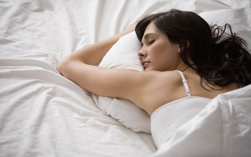 https img.okeinfo.net content 2017 08 21 481 1759660 ingin tubuh langsing hindari tidur cuma 6 jam sehari W3YhAFui79.jpg