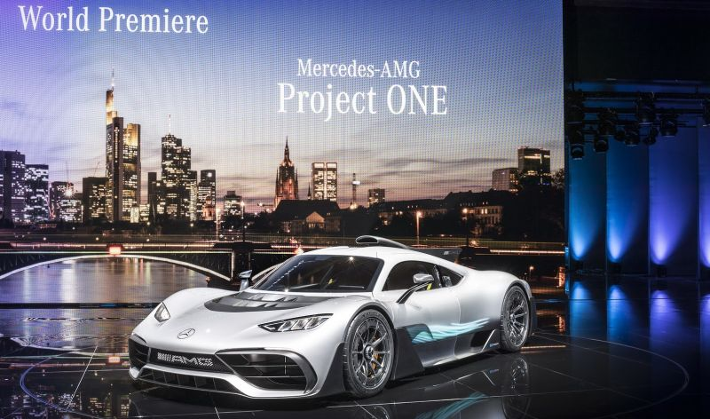 https: img.okeinfo.net content 2017 09 16 15 1777456 lewis-hamilton-mercedes-amg-bisa-membangun-mobil-yang-lebih-baik-dari-ferrari-bOQpfDJRzw.jpg