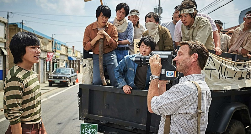 https img.okeinfo.net content 2017 09 17 206 1777748 berkibar di pasar domestik a taxi driver siap melenggang ke lima festival film internasional DziXuRQ3B9.jpg