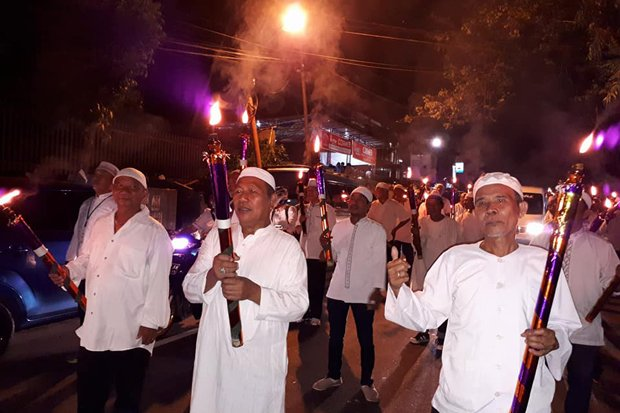 https: img.okeinfo.net content 2017 09 21 340 1780093 sambut-tahun-baru-islam-kaum-muslim-di-sulut-gelar-pawai-obor-ChtXrAVM3u.jpg