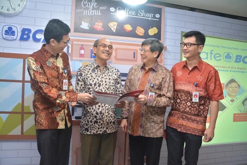 https: img.okeinfo.net content 2017 09 26 426 1783078 majukan-dunia-usaha-indonesia-ikf-vi-dukung-inovasi-dan-kreativitas-berbasis-digital-MCZKygtkRW.jpg