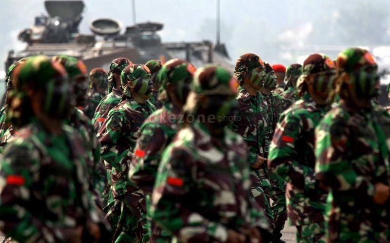 https: img.okeinfo.net content 2017 10 04 194 1788811 mengapa-seragam-tentara-indonesia-berwarna-hijau-dan-bercorak-loreng-ini-alasannya-VGssgIU3Jb.jpg