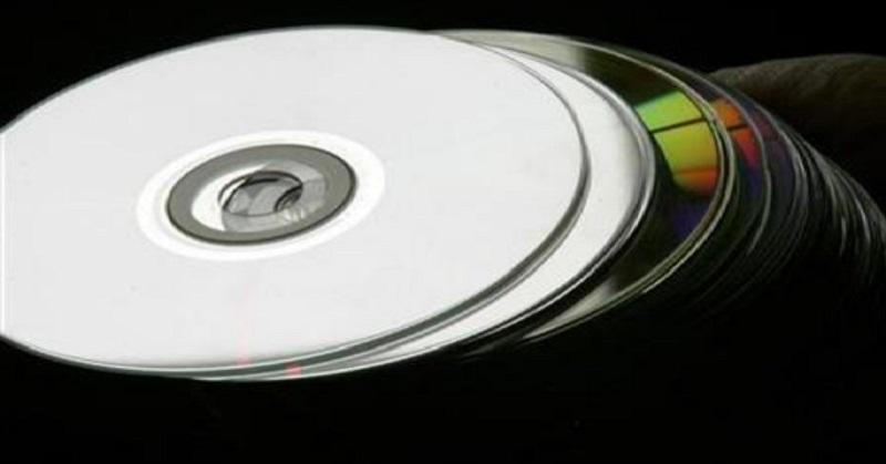 https: img.okeinfo.net content 2017 10 05 207 1789228 okezone-innovation-ternyata-cd-lahir-dari-ketidakpuasan-dengan-piring-hitam-lho-8HQzLhddhW.jpg