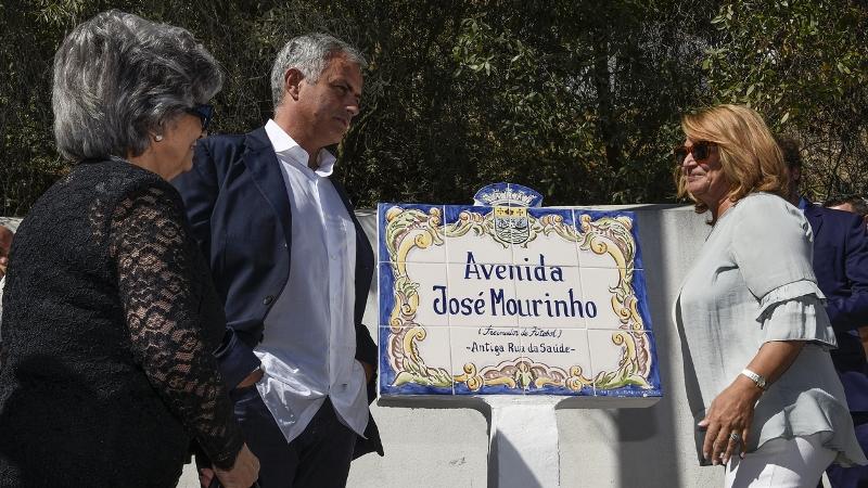 https: img.okeinfo.net content 2017 10 05 51 1788995 sebagai-bentuk-apresiasi-jose-mourinho-dijadikan-nama-jalan-di-portugal-oouGQgHo0B.jpg
