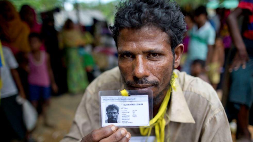 https: img.okeinfo.net content 2017 10 06 18 1789794 tak-pernah-diakui-pengungsi-rohingya-justru-diberi-kartu-identitas-myanmar-di-bangladesh-Yj6SuJT2fo.jpg