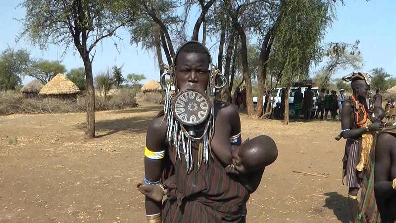 lima suku di dunia yang terancam punah salah satunya di indonesia rh news okezone com