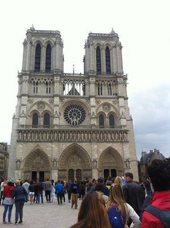 https: img.okeinfo.net content 2017 10 09 406 1792100 backpacker-diary-notre-dame-de-paris-katedral-gothic-tercantik-di-dunia-ofIwsaEGGC.jpg