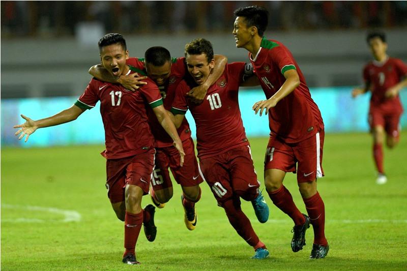 https: img.okeinfo.net content 2017 10 09 51 1791364 kalahkan-thailand-3-0-indra-sjafri-puas-dengan-penampilan-timnas-indonesia-u-19-I9OOX7Fsoj.jpg
