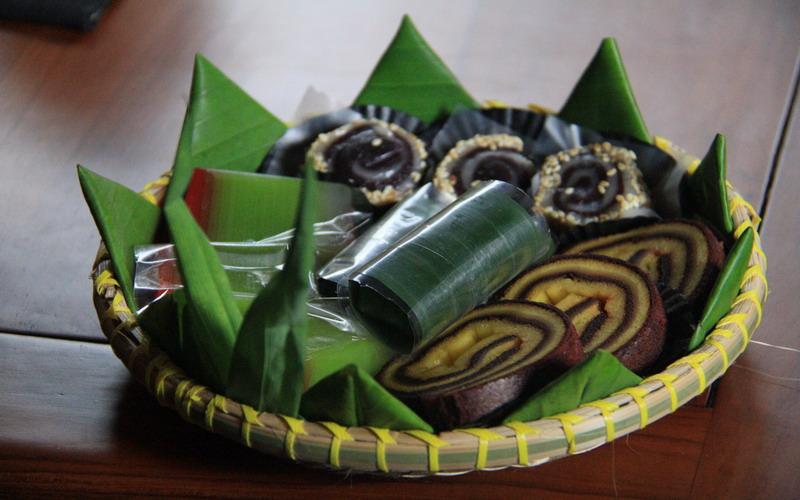 https: img.okeinfo.net content 2017 10 11 298 1793315 food-story-cecempek-suguhan-tradisional-simbol-keakraban-masyarakat-purwakarta-q6JI8tK6AD.jpg