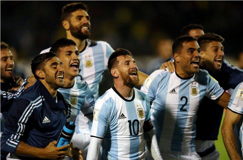 https: img.okeinfo.net content 2017 10 14 51 1795221 bawa-timnas-argentina-ke-piala-dunia-2018-simeone-messi-membuktikan-ia-yang-terbaik-di-dunia-QJJOHvEs8j.JPG