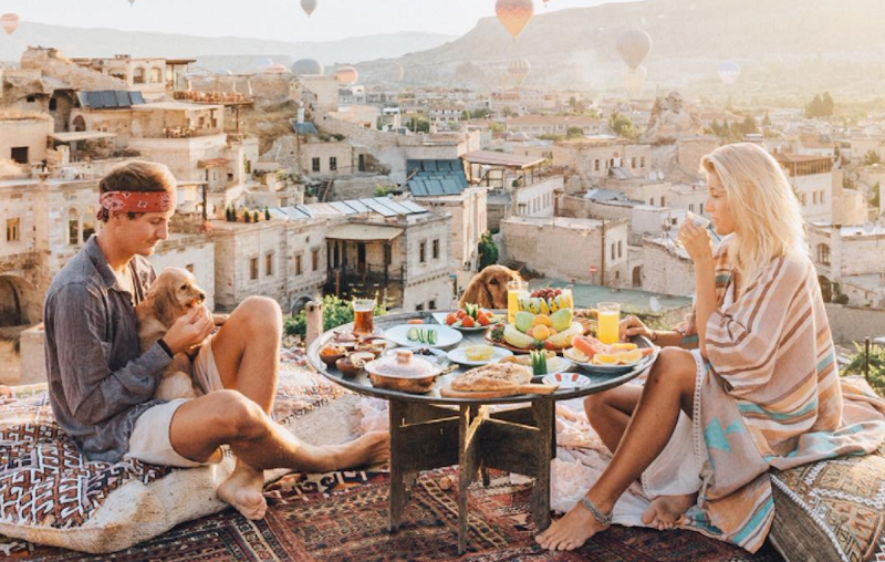 https: img.okeinfo.net content 2017 10 24 406 1801654 terungkap-wisatawan-masa-kini-lebih-memilih-tempat-liburan-berdasarkan-likes-di-instagram-HF6LcAJHmJ.png