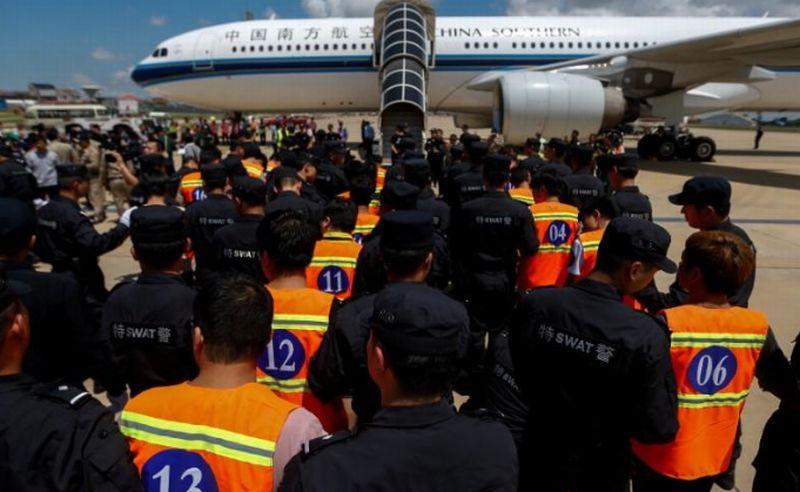 https: img.okeinfo.net content 2017 10 28 18 1804168 duh-pemerintah-kamboja-deportasi-61-warga-china-yang-jadi-tersangka-penipuan-Bzb5tM9t44.jpg