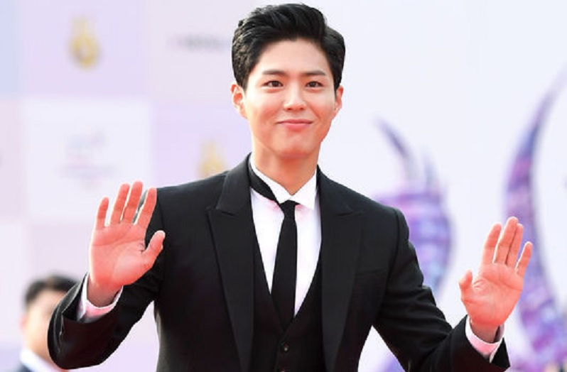 https: img.okeinfo.net content 2017 10 30 33 1804997 wow-park-bo-gum-siap-main-piano-di-pernikahan-song-joong-ki-dan-song-hye-kyo-KA3F5kDKHT.jpg