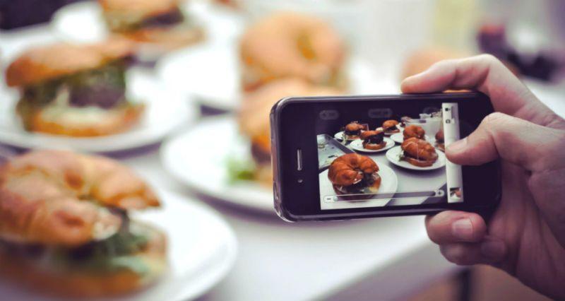 https: img.okeinfo.net content 2017 11 02 298 1807283 restoran-berbintang-michelin-ini-larang-pengunjungnya-mengambil-gambar-makanan-6HYi2nbet6.jpg