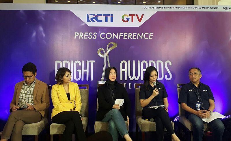 https: img.okeinfo.net content 2017 11 06 320 1809259 bright-awards-indonesia-ajang-mencari-ikan-berkualitas-di-indonesia-ojJapql6iN.jpg