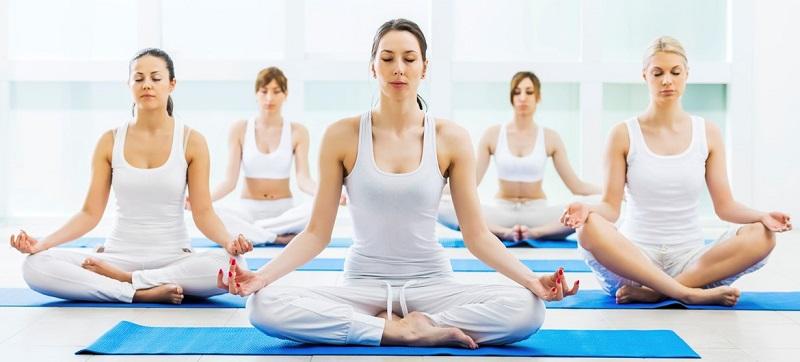 https: img.okeinfo.net content 2017 11 11 194 1812435 selain-bikin-awet-muda-yoga-mampu-pancarkan-kecantikan-wanita-mjJnlphVza.jpg