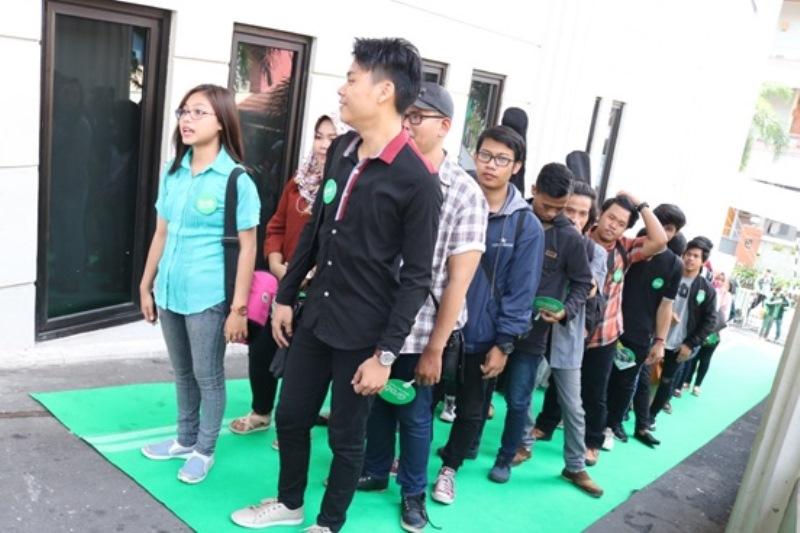 https: img.okeinfo.net content 2017 11 14 598 1814149 pernah-gagal-audisi-dokter-yang-hobi-bernyanyi-ini-tak-patah-arang-ikut-audisi-indonesian-idol-2017-p6ig1sDQFv.jpg