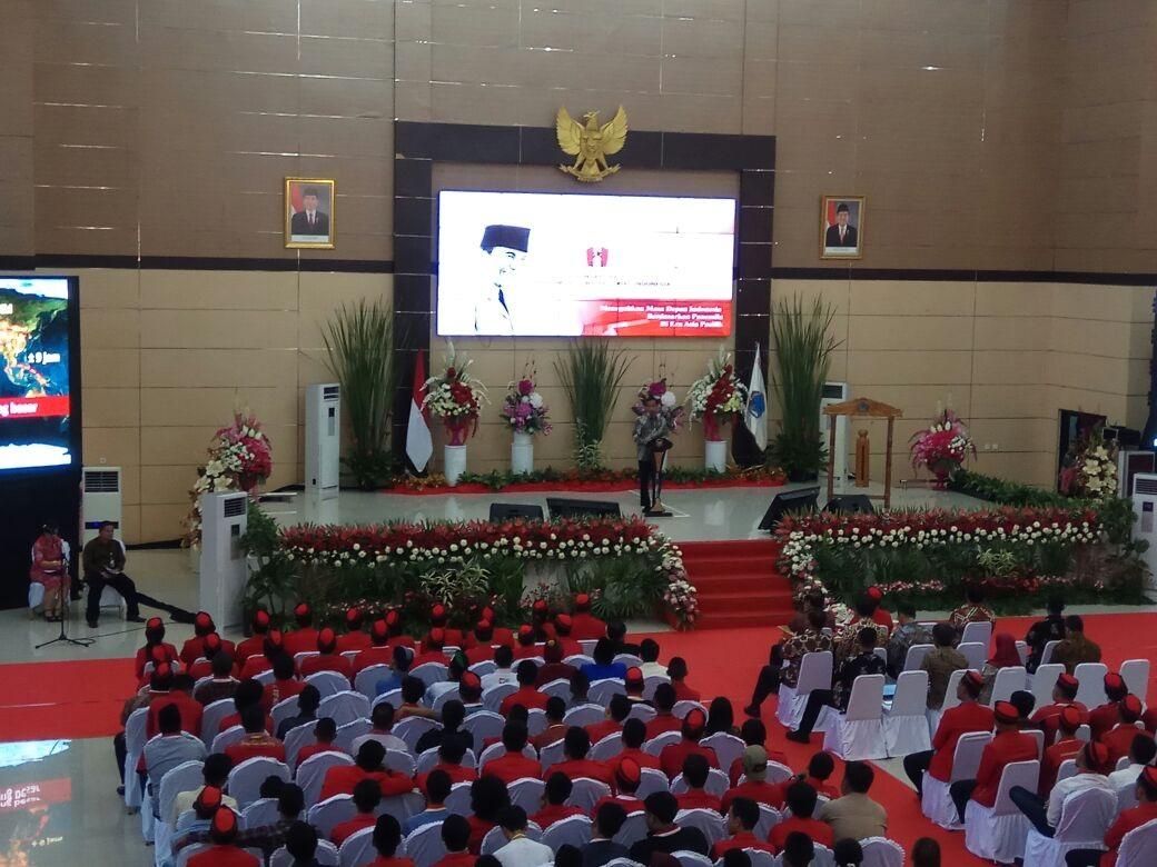 https: img.okeinfo.net content 2017 11 15 337 1814365 tepati-janjinya-jokowi-buka-kongres-ke-xx-gerakan-mahasiswa-nasional-indonesia-di-manado-NmxuO7tLgx.jpg