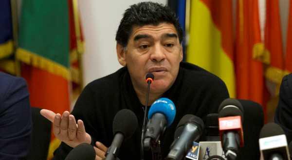 https: img.okeinfo.net content 2017 11 15 51 1814564 diego-maradona-ingin-kembali-latih-timnas-argentina-cTEiGwNDd0.jpg