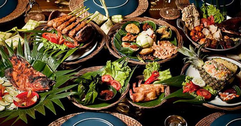 https: img.okeinfo.net content 2017 11 16 298 1815215 wisman-mulai-minati-wisata-kuliner-indonesia-pameran-kuliner-internasional-kian-dilirik-loLLTolqnM.jpg
