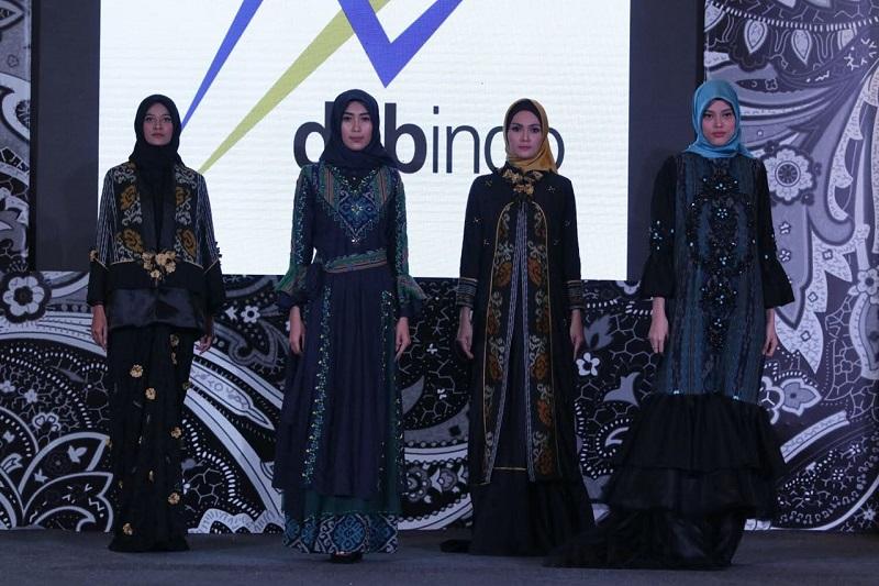 Model Gamis Tenun Troso Gambar Hijab
