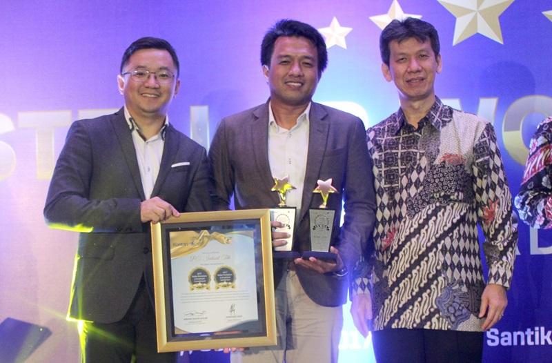 https: img.okeinfo.net content 2017 11 21 54 1817936 sukses-tingkatkan-employee-engagement-indosat-ooredoo-raih-stellar-workplace-award-2017-HZ7ujo4pxs.jpg